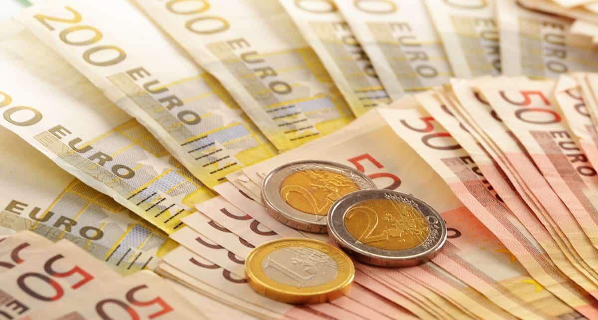 lenen en afbetalen schulden afbetalen door geld te lenen